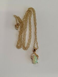 """14ct Yellow Gold Opal Pendant And 9ct Yellow Gold Chain 22"""""""