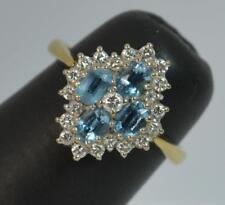 Beautiful 18ct Gold Aquamarine and Diamond Cluster Ring d0441