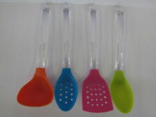 Espátulas, espumaderas y pinzas de cocina color principal multicolor