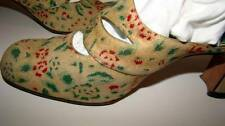 """Vintage Deco Fabric Holiday Shoes """"Holly"""" Pattern with cut-outs Size 9"""
