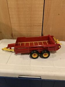 Ertl New Holland Double Axle Manure Spreader Scale 1:16 Nice