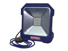 Faithfull fppsltl 20 240 V LED Luz de trabajo 20 W 2000 LM IP44 + zócalo Power Share
