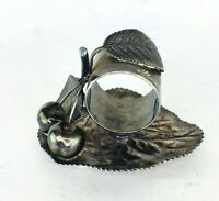 Napkin Ring Hartford Silver Co. Two Cherries Silver Quadruple Plate Antique Leaf