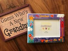 Grandma Sign (Guess Who's A New Grandma?) & Glass 4X6 Grandma & Me Photo Frame