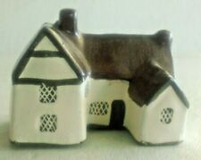 Clay Pottery Willie Lott's Thatched Cottage Figurine