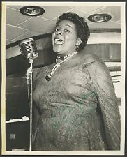 Dinah WASHINGTON (Jazz Vocalist): Signed Photograph