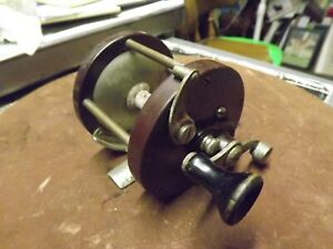 VINTAGE FISHING REEL BEACH CITY USED WORKS GOOD SPINS GOOD FROM ESTATE SALE
