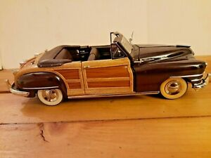 DANBURY MINT 1:24 DIECAST, 1948 CHRYSLER TOWN & COUNTRY MAROON CONVERTIBLE