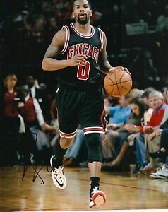 AARON BROOKS signed CHICAGO BULLS 8X10 PHOTO COA B