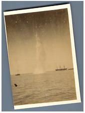 Explosion d'une torpille Vintage albumen print  Tirage albuminé  10x1