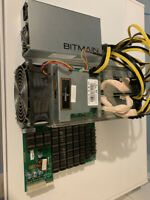 Bitmain Antminer S7 4,73T Bitcoin Miner with PSU and power cable.