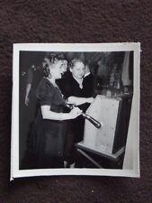 OLD WOMEN PLAYING SLOT MACHINES  VTG 19401 PHOTO