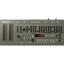 Roland SH-01A Boutique Series Synthesizer Module +Picks