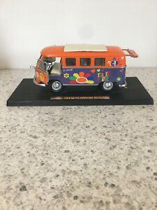 ROAD SIGNATURE 1962 Volkswagen Microbus Van 1:18