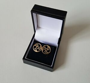 Pair of .375 9ct Welsh Rose Gold Earrings  Boxed 3.8g (21B)