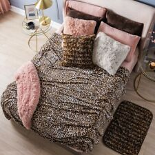 LEOPARD ANIMAL PRINT LIGHT BLANKET VERY SOFTY AND WARM  THROW SIZE