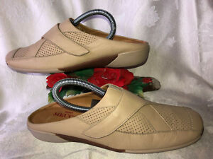 Sesto Meucci Made in Italy Beige Leather Women Slip in  Sandals. Sz-9.5M.