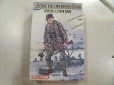 DRAGON / JAGER FALLSCHIRNMJAGER BATALLION 500 / Plastic Model Kit 1:16 Scale