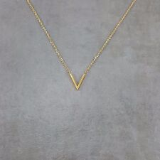 V GOLD Dainty Necklace Charm Pendant Necklace Gift Box Arrow Pointy Letter