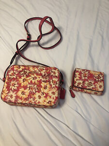 Pink Vintage Daisy COACH Purse & Wallet - Leather. NEW