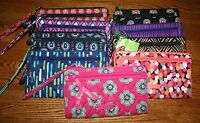NWT Vera Bradley FRONT ZIP WRISTLET wallet holds iPhone 6 + iPhone 8 +  plus