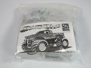 AMT Colt Cobra's Snake Bite Monster Truck 1/25th Model Kit #6439 - Complete