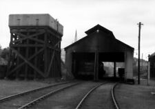 PHOTO  LOCO SHED LMS MONTROSE  GENERAL VIEW OF THE SHED WITH 61876 INSIDE 30/7/5