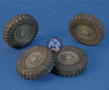 Royal Model 1/35 Staghound Armored Car Wheels Set (for Italeri / Bronco kit) 558