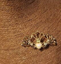 Avon Vintage Goldtone Claddagh with Pearl Heart Brooch.