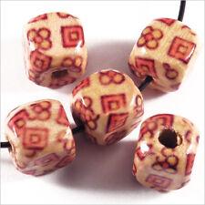 40 Perles Cubes en Bois 9mm Motif Fleurs