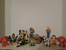 Various 90'S Looney Tunes character figurines