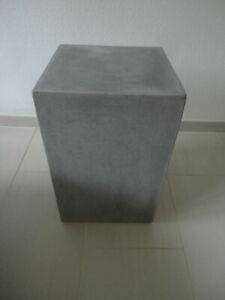 jan kurtz beton block beistelltisch tisch hocker 45 cm hoch  neuwertig
