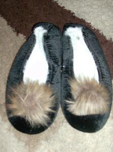 Eaze for Comfort Womens Black Fur Pom Ballet Slippers UK Size 7/8 New