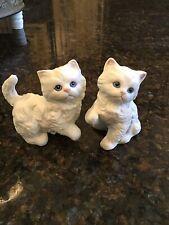 SET OF 2 VINTAGE CAT KITTEN HOMCO FIGURINES WHITE PERSIAN PORCELAIN BLUE EYES