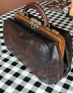 Antique Vintage Genuine Leather Gladstone Doctors Bag 30 x 20 x 14cm