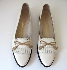 Salvatore Ferragamo Cream Leather Tassel Loafer Front Bow Size 8 1/2 4A Italy