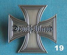 Deutschland Schrift EK Eisernes Kreuz Abzeichen Militär Pin Button Badge # 19