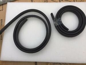 Land Rover Def & Series 2,3 Body Seal Hardtop Side Body Rubber Pair ( 333487 ).