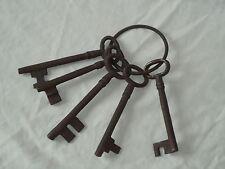 CHIAVI DI FERRO GRANDE prigione su un anello in metallo vecchio dall'aspetto-serratura, chiave-Teatro Film Prop