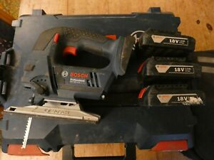 Bosch 18v Cordless Jigsaw and Combi Drill Bundle with Batteries
