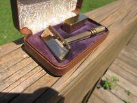 Beautiful Gem Micromatic Clog Pruf Gold Tone SE Safety Razor