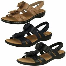 Clarks Casual 100% Leather Sandals & Beach Shoes for Women