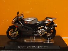 1:24 Scale APRILIA RSV 1000R by IXO