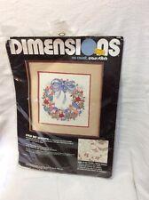 Dimensions #3905 Folk Art Wreath 1987