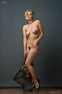 Liz Ashley 3440 Artistic Nude 8.5x11 Hand-Signed Photo by Craig Morey