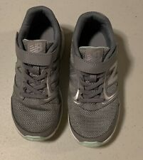 New Balance Kids Girls Us 13 Athletic Sneaker Tennis Shoes Preowned Euc