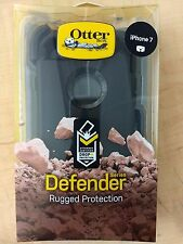 Otterbox 77-53892 Defender Case Black with Black Clip for iPhone 7