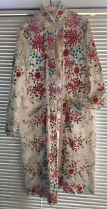 Lovely Vintage PLUM BLOSSOM Embroidered White Silk Robe Color Size 44