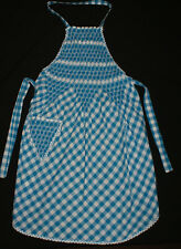 VINTAGE 1950's / 60's APRON ~ EXQUISITELY HANDMADE and in EXCELLENT CONDITION ~