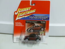 Johnny Lightning Volkswagen 2001 Custom New Beetle Black